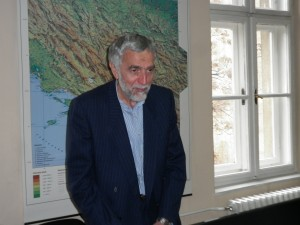 Dr. Munib Maglajlić